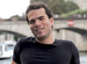 Dr Artur Avila peraih nobel matematika 2014